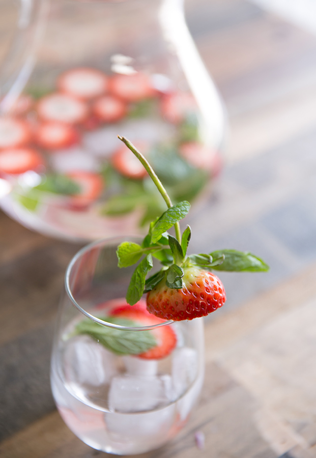 strawberry-mint-water-flavored-water-recipes